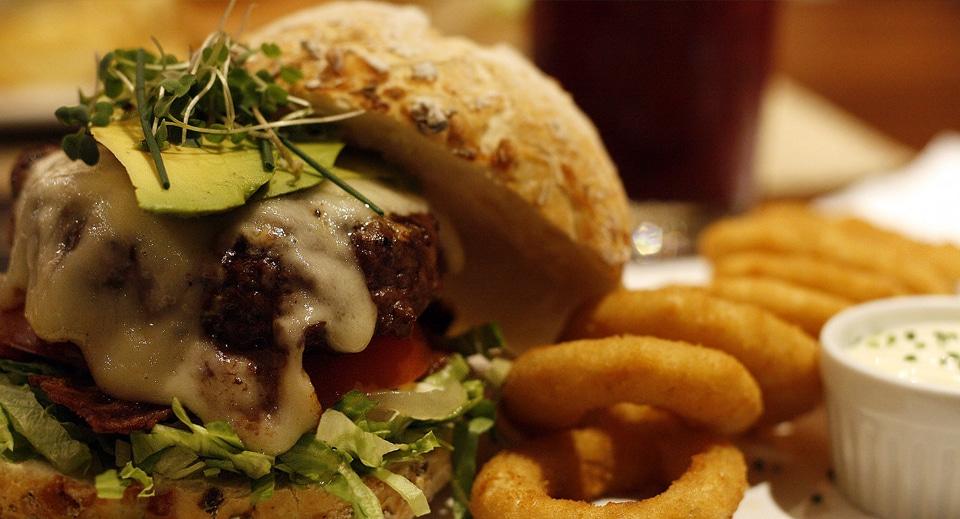 Na região de Coqueiros encontramos algumas das melhores hamburguerias da cidade