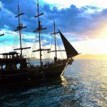 Passeio de Barco Pirata em Florianópolis