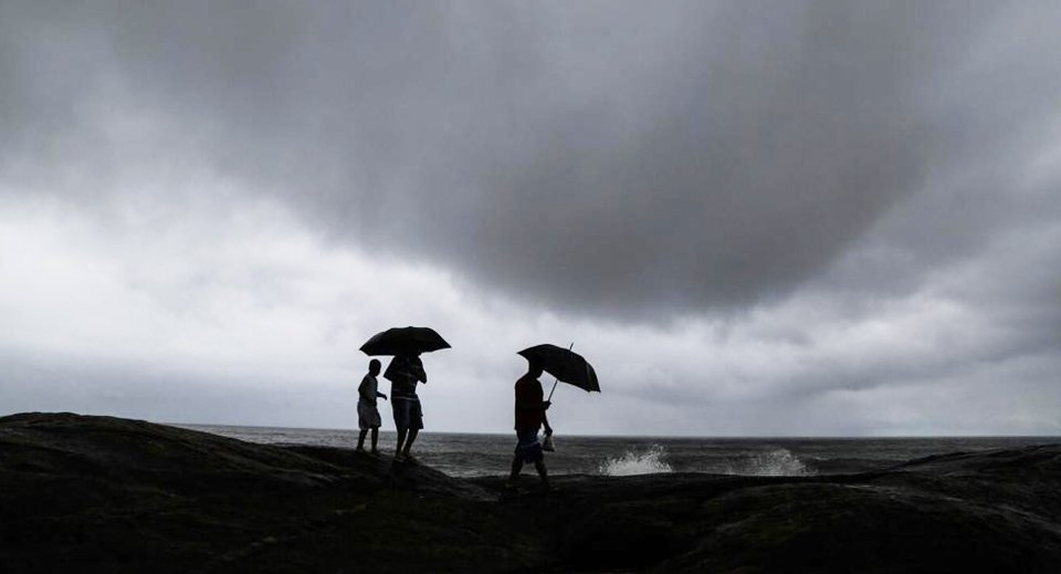 turista e chuva