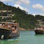 passeio de barco em balneário camboriú