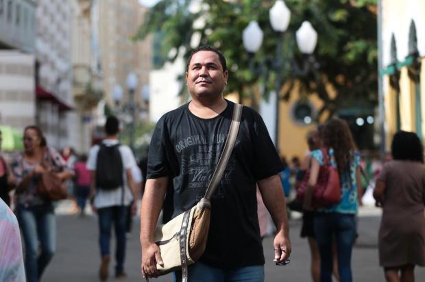ex-catador de lixo conclui doutorado em Florianópolis