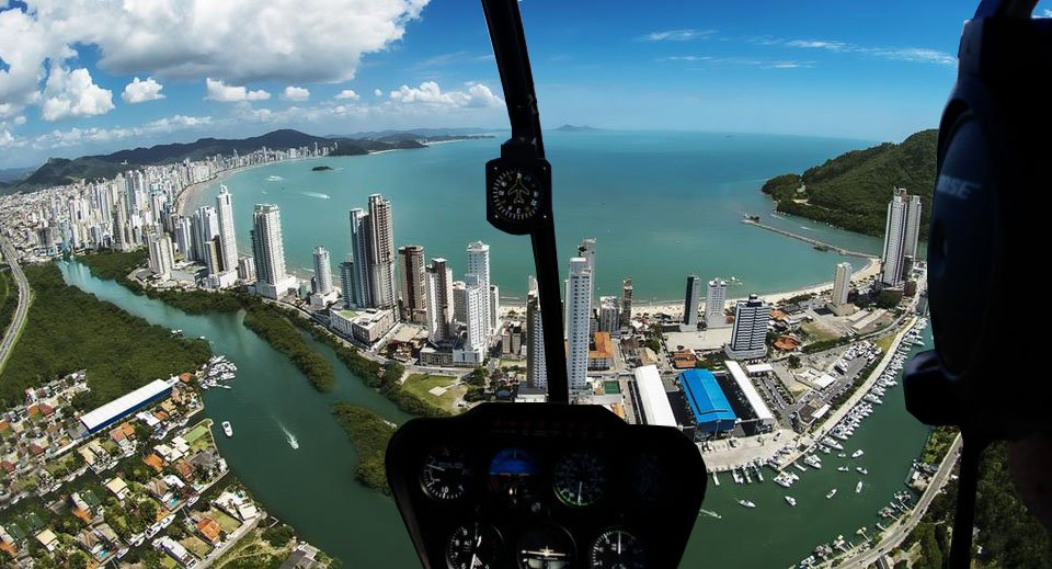 Passeio de Helicóptero em Balneário Camboriú