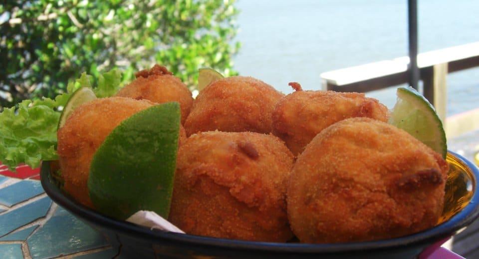 Boa comida à beira mar - Foto www.destemperados.com.br