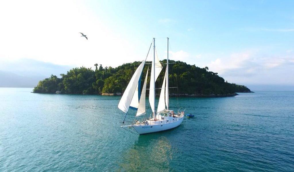 passeio de veleiro em Florianópolis